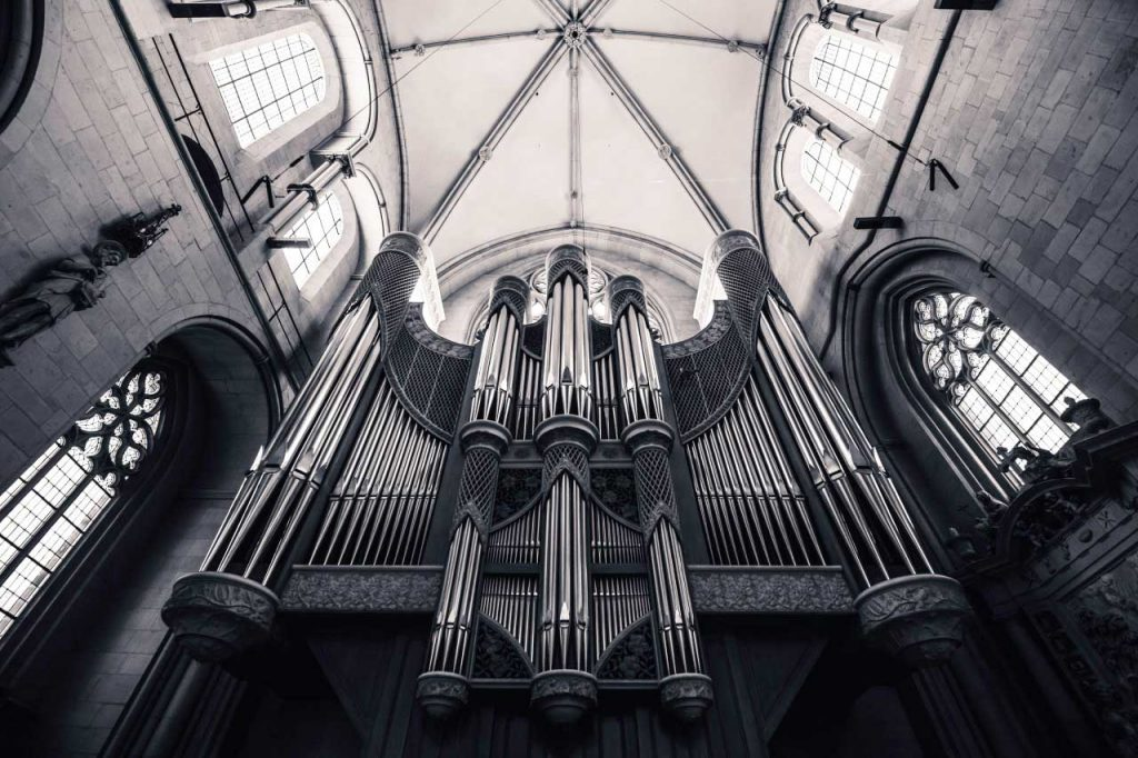Church organ photographed with Canon 5D Mark II